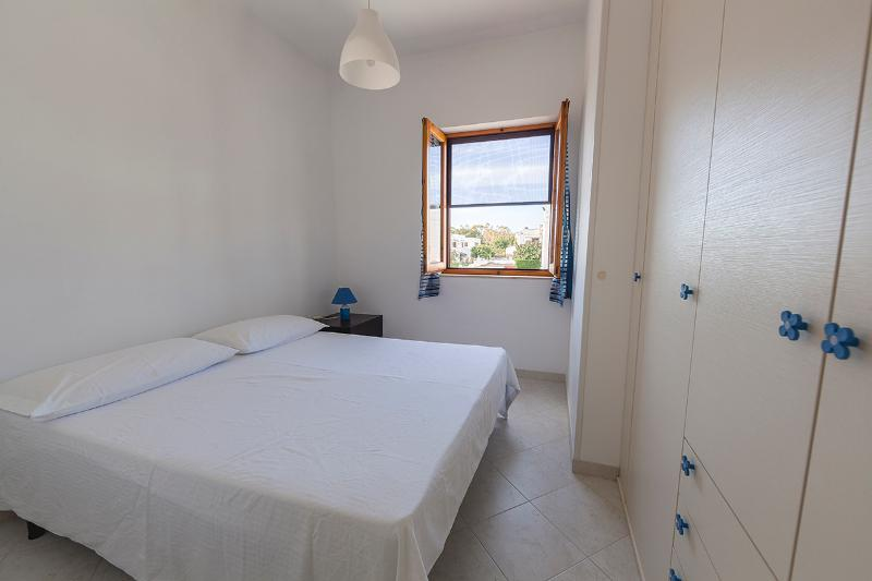 Comfortable double bedroom with air conditioning - Boutique Apartment in Ostuni Marina, full optional - Ostuni - rentals