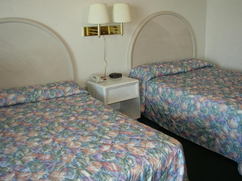 2 full size beds - Direct oceanfront view at Daytona Beach Club - Daytona Beach - rentals