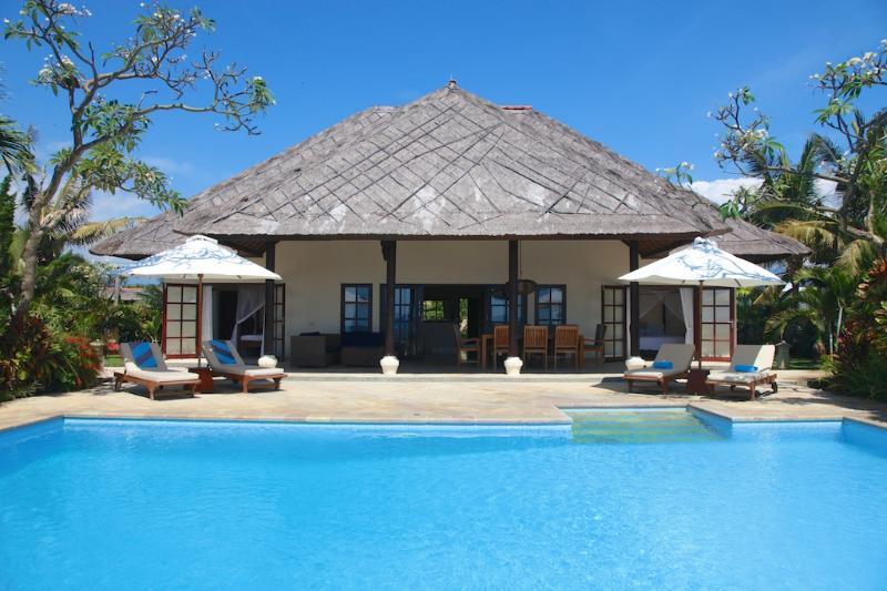 Villa Bersama: Live The Bali Dream In This Luxury Beach Front Villa With Staff! - Image 1 - Lovina - rentals