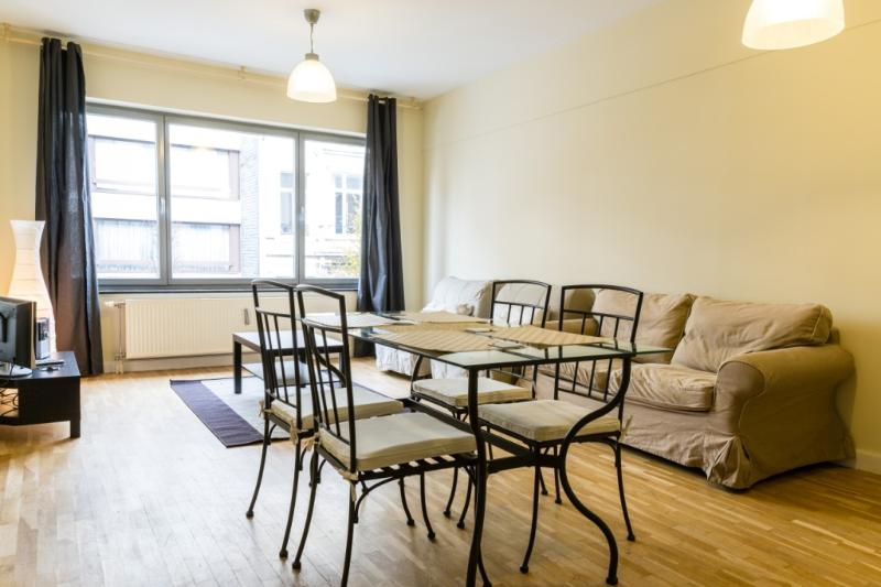 ID 3365- Bright 1br flat in Brussels city centre - Image 1 - Brussels - rentals