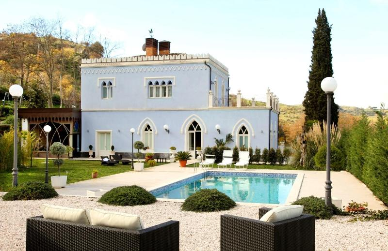 The stunning staying - VILLA ARABA:Luxury, pool, breakfast included, Arab-Sicilian - Francavilla di Sicilia - rentals