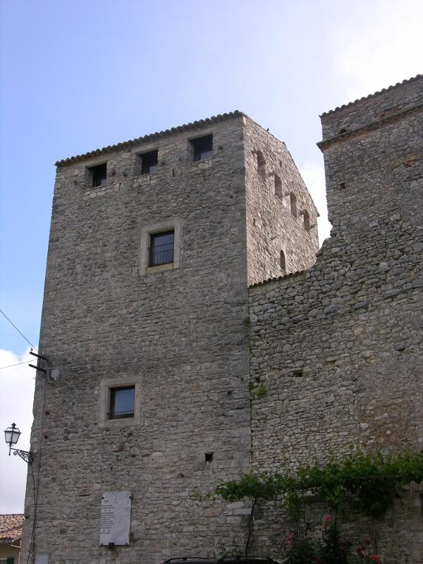 part of the castle for 8 guests - Image 1 - Gualdo Cattaneo - rentals