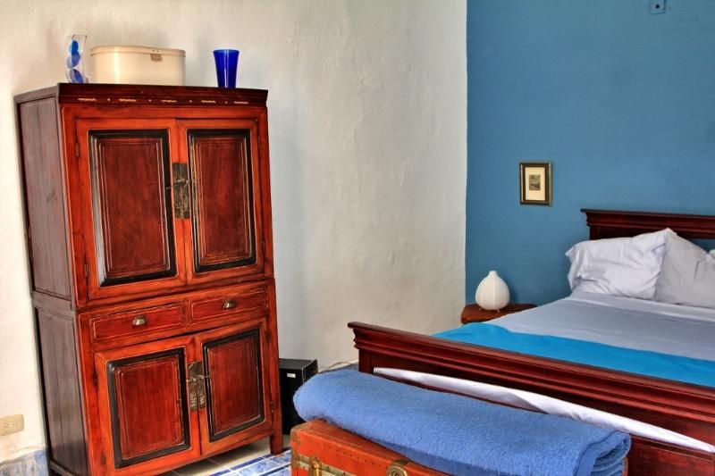 Bedroom - BNB La Pantera Negra Blue Room - Merida - rentals