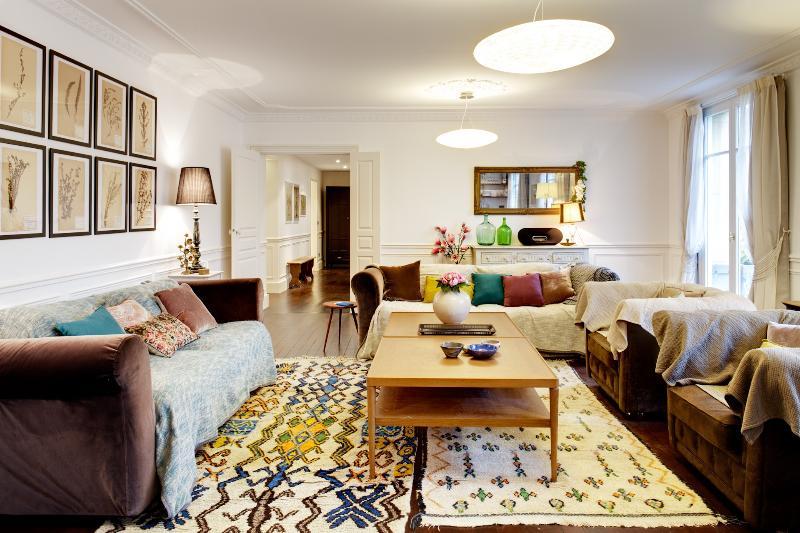 Apartment Jeuneurs Paris apartment 2nd arrondissement, 2 bedroom short term - Image 1 - Paris - rentals