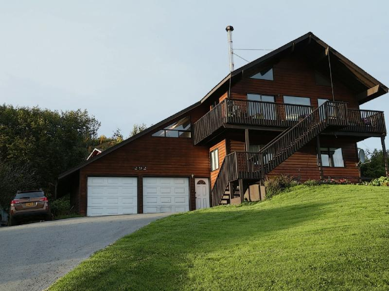 Its all about the view and the parking is nice also - Large Home, Unforgettable Views, Peace & Comfort - Homer - rentals