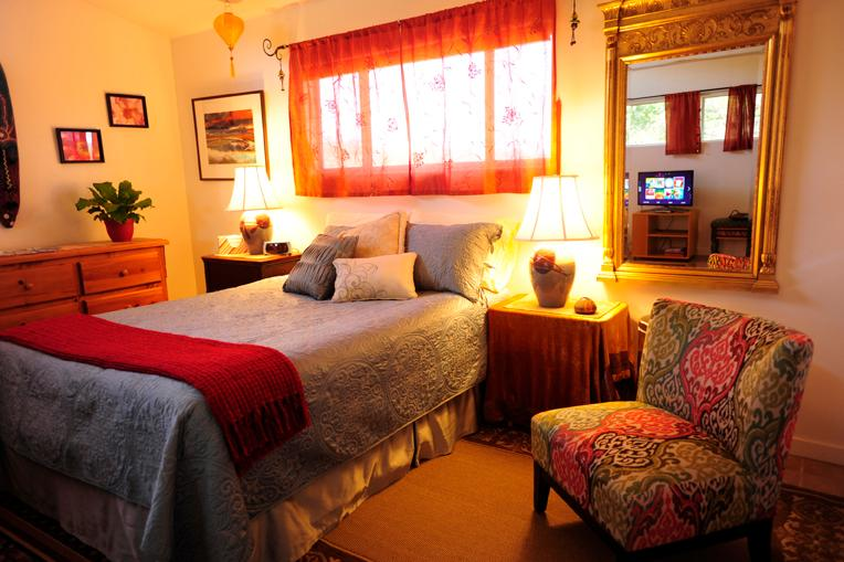 Queen Bed - PARADISE FOUND AND BREAKFAST, TOO! - Santa Barbara - rentals