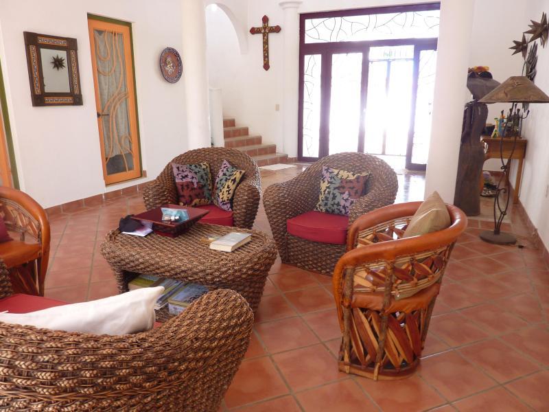 living room - Villa de Vientos:  Artistic 4BR/4BA Villa - Bucerias - rentals