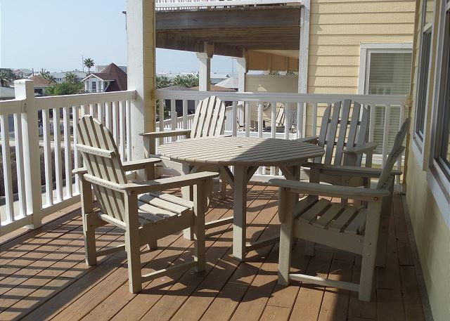 Balcony - Beyond the Sea, *Free Golf Cart, Sleeps 10, Community Pool, Walk to the Beach - Port Aransas - rentals