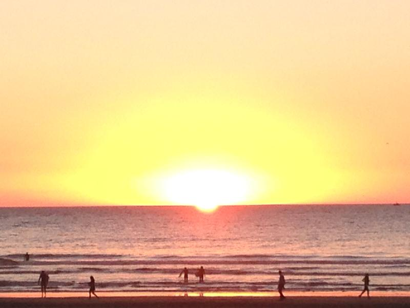 catch amazing sunsets at the beach 2 blocks away - 2+ BR Beach Cottage in SF w/ Parking & Ocean Views - San Francisco - rentals
