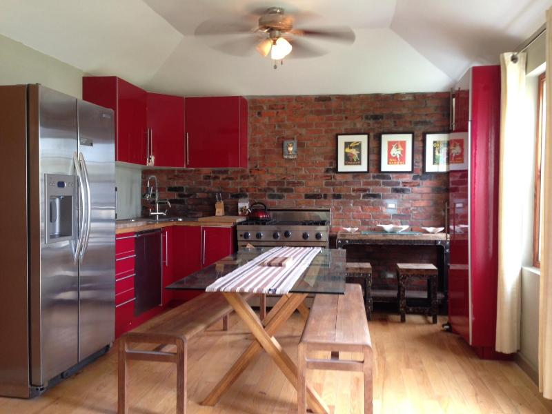 Kitchen/Dining Room - Cute Cottage in The Town of St Georges - New - Saint George - rentals