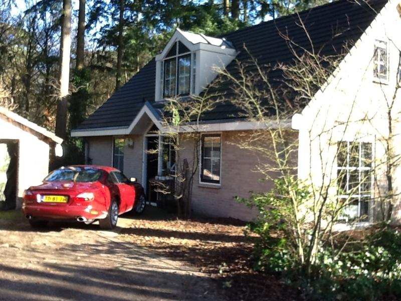 Free parking right nextdoor to the house (plm. 3 cars possible) - Nice, comfortable recreational villa in a wooded area for rent - Harderwijk - rentals