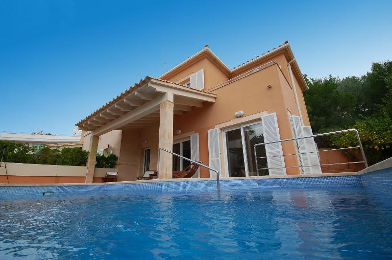 Villa Oliveres d'Alcanada, near sea and Golf - Image 1 - Alcudia - rentals