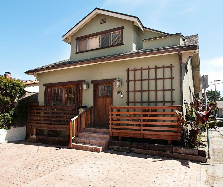 6 bedroom beach property, 1 block to beach.. - Image 1 - Venice Beach - rentals