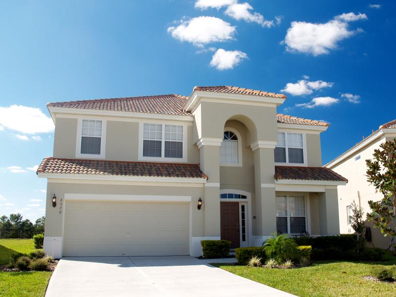 Front view of villa - Luxury Villa with pool only 10 min drive to Disney - Kissimmee - rentals