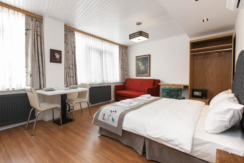 Beyoğlu Central 2 Bedrooms, Up To 6 - Image 1 - Istanbul - rentals