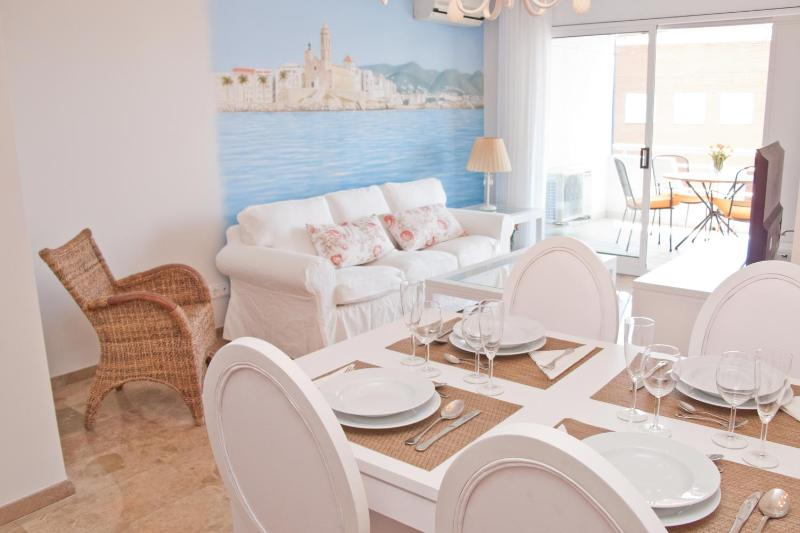 DELICIOUS elegant apartment with pool in Sitges - Image 1 - Sitges - rentals