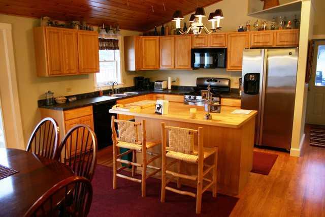 kitchen - Cozy Stowe Bungalow - Stowe - rentals