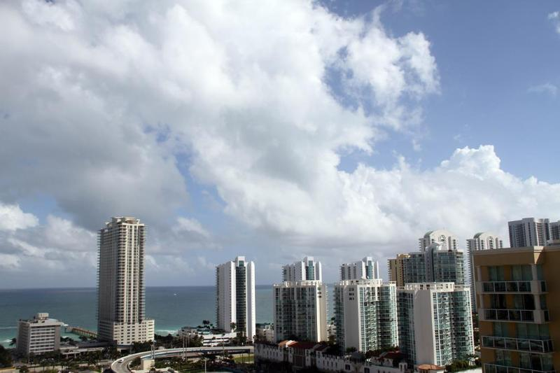 Ocean View - 2 bed / 2 bath apartment in Miami 25 - Sunny Isles Beach - rentals
