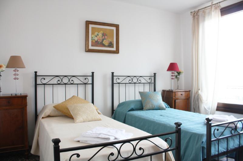 Rialto apartment - Image 1 - Venice - rentals