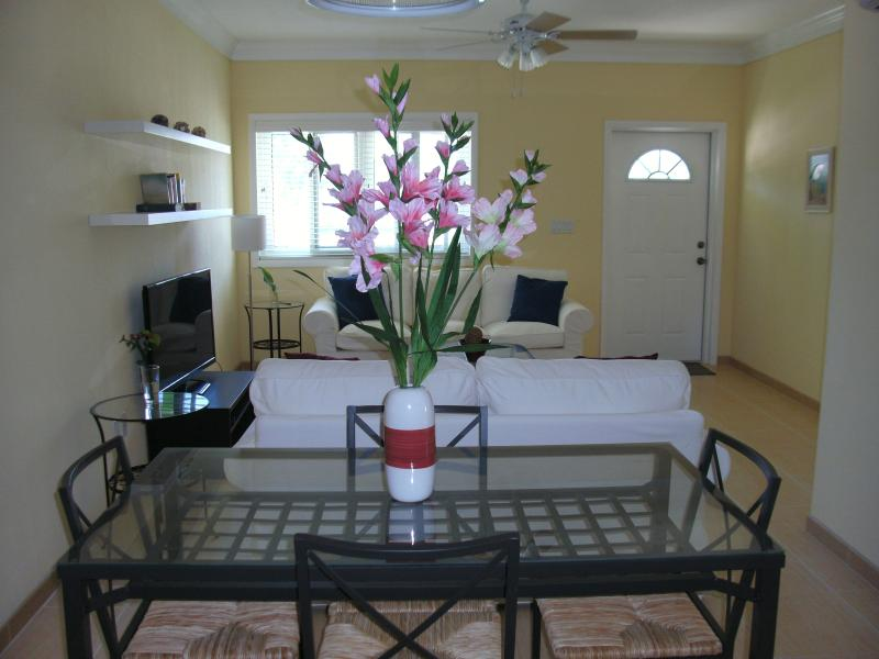 Lily Suite - 2 bed/2 bath - Lily Suite Comfort & Luxury, A Short Walk To Beach - South Palmetto Point - rentals