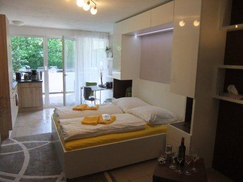 LLAG Luxury Vacation Apartment in Nuremberg - 377 sqft, central, spacious, modern (# 4898) #4898 - LLAG Luxury Vacation Apartment in Nuremberg - 377 sqft, central, spacious, modern (# 4898) - Nuremberg - rentals