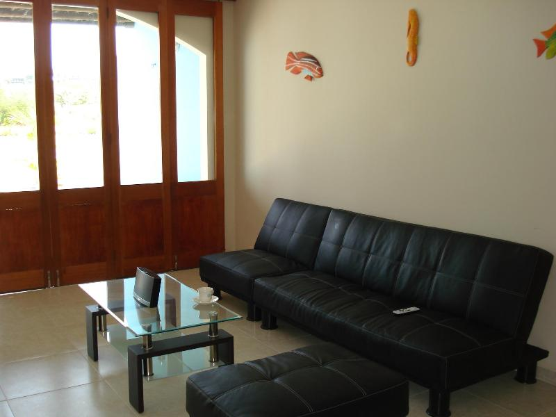 Nautical home with Boat dock, ideal for Boat travelers - Image 1 - Porto Nao - rentals
