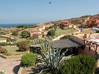 Calarossa landscape - Set in a large natural amphitheater overlooking the sea - Badesi - rentals