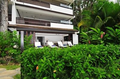 Modern 2 Bedroom Beachfront Apartment in St. James - Image 1 - Paynes Bay - rentals