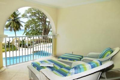 Stunning 2 Bedroom Apartment in Christ Church - Image 1 - Christ Church - rentals