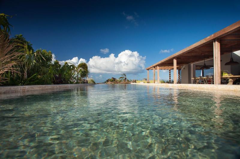 3 Bedroom Villa overlooking the Blue Lagoon of Cul de Sac in Marigot - Image 1 - Marigot - rentals