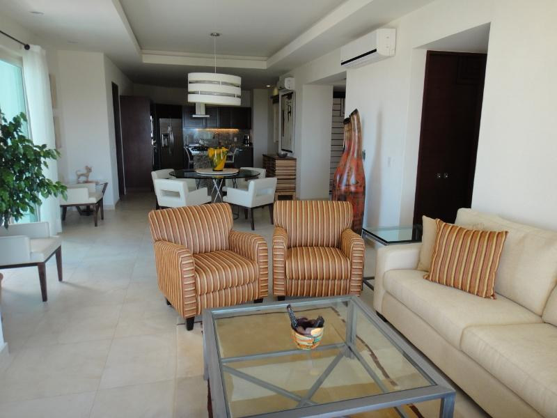 A spectacular contemporary penthouse!! - Spectacular 2 BR/ 3Bath Penthouse Condo in Old Town! - Puerto Vallarta - rentals