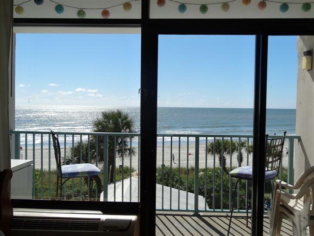 Ocean Front Condo in Myrtle Beach sleeps 5 - Image 1 - Myrtle Beach - rentals