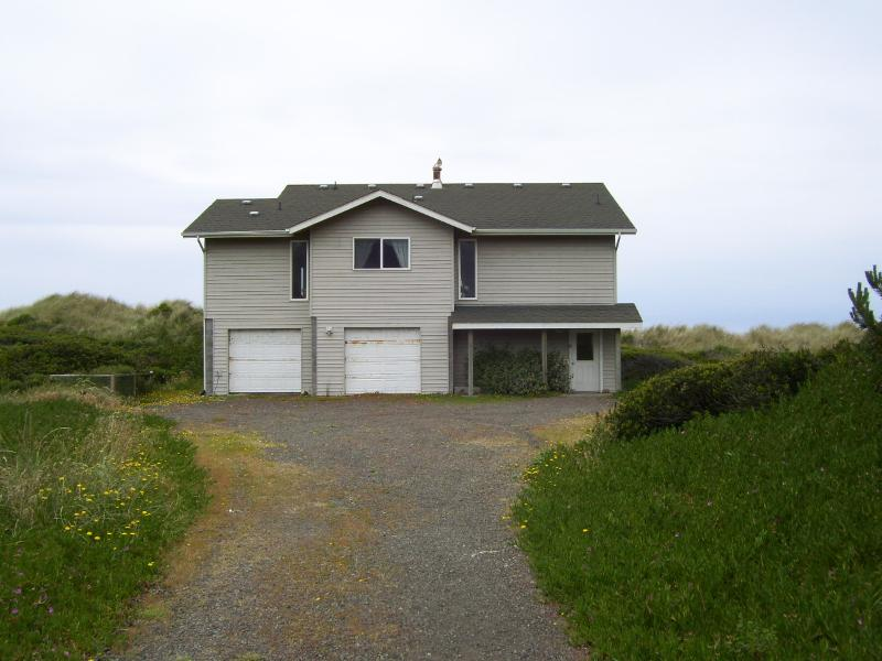 BEACH COMBER from the east side ocean behind - Beach Comber At Rogue Shores Gold Beach Oregon - Gold Beach - rentals