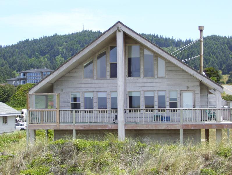 PELICAN WATCH from the beach - Pelican Watch At Rogue Shores Gold Beach Oregon - Gold Beach - rentals