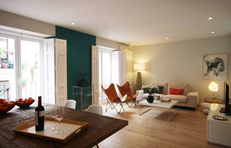 Spacious Sanctuary at the heart of Madrid - Image 1 - Madrid - rentals