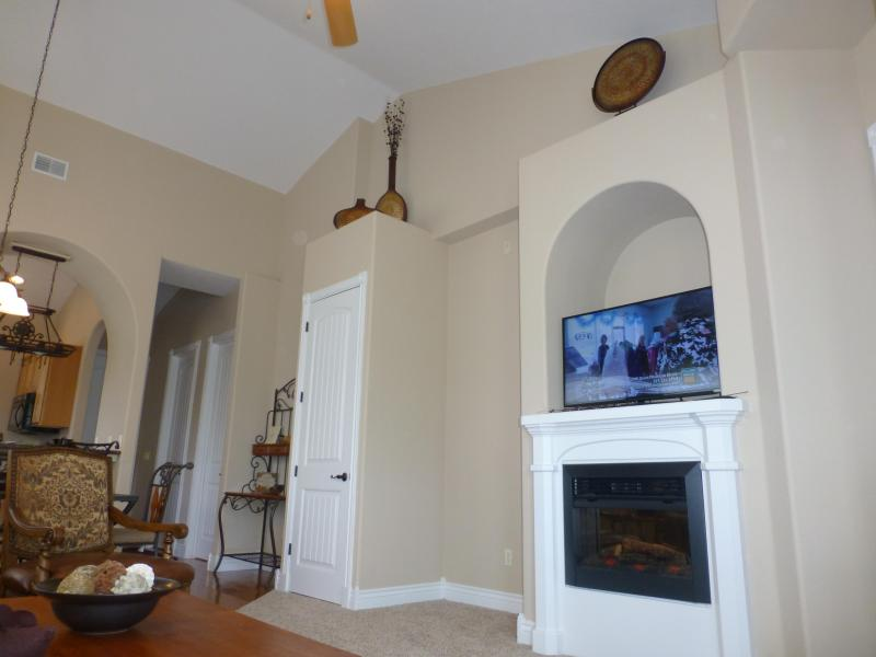 Upscale Condo ... Stay by Silver Dollar City! - Image 1 - Branson - rentals