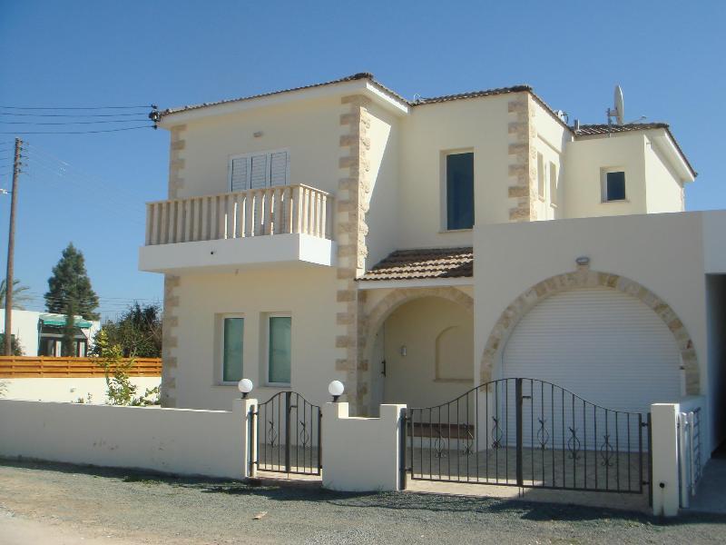 Villa Elvie - 84955 - Image 1 - Dherynia - rentals