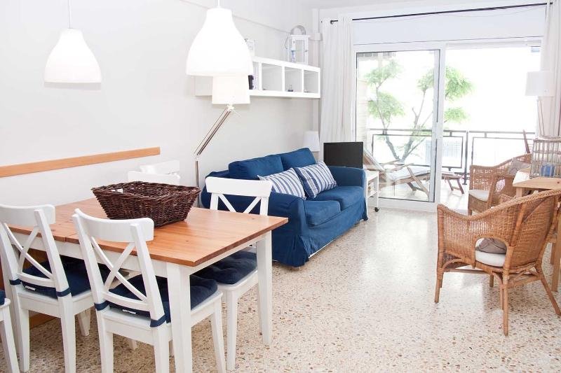 LIGHTHOUSE apartment with pool, garden and AC - Image 1 - Sitges - rentals