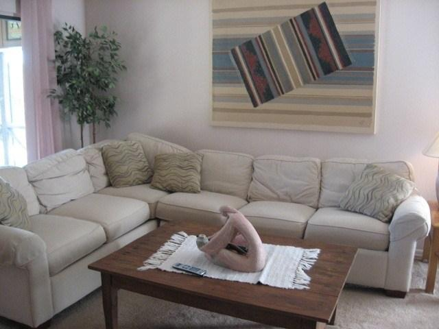 Living Room - 065-3 - Bronston - rentals