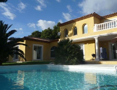 Holiday rental Villas Ventabren (Bouches-du-Rhône), 220 m², 3 250 € - Image 1 - Ventabren - rentals