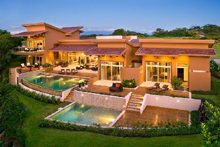 Villa Praia on the 13th hole of Arnold Palmer golf course, 2 infinity pools & beach club amenities - Image 1 - Gulf of Papagayo - rentals