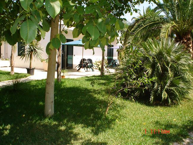 Masseria Lama apartments surrounded by a big garden - Image 1 - Torre Dell'Orso - rentals
