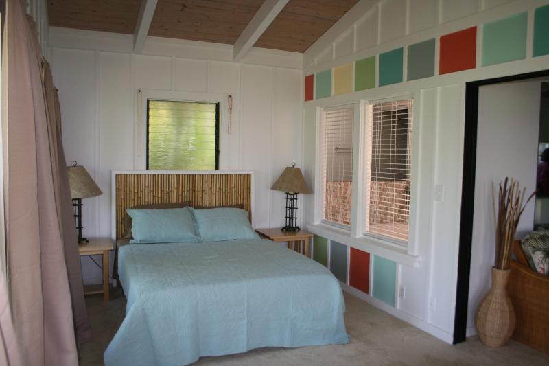 Bedroom - Romantic, Lush South Kona Getaway - Captain Cook - rentals