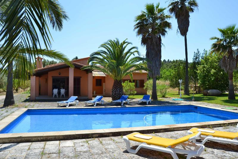 Beautiful house Majorca with pool and tenniscourt - Image 1 - Alaro - rentals