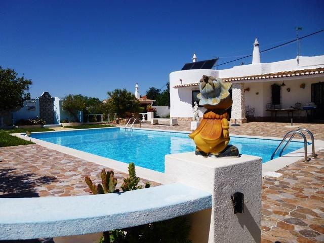 Central Algarve-Villa with private pool - Image 1 - Armação de Pêra - rentals