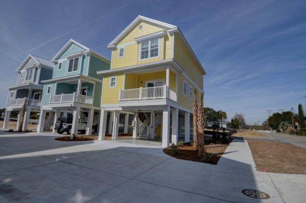 Exterior View 1 - South Beach Cottages - 2700 - Cherry Grove Beach - rentals