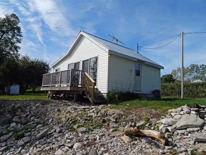 Creasy's Cottages - APPLE INN - Image 1 - Prince Edward County - rentals