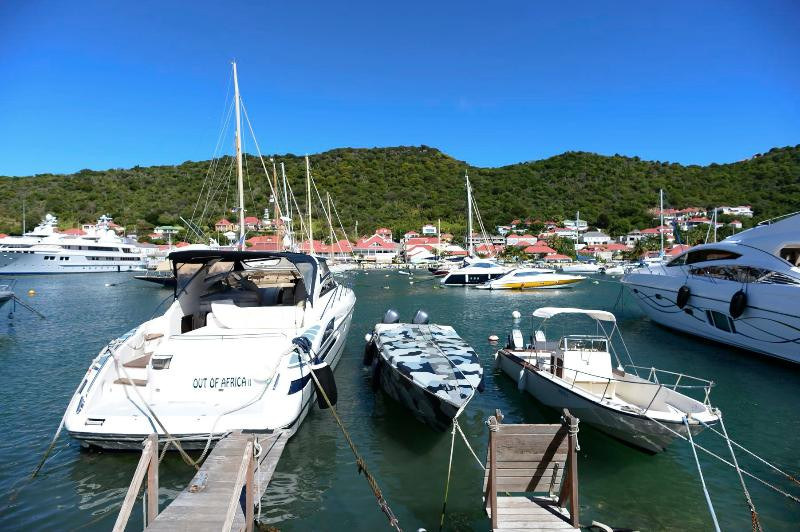 Marvelous 2 Bedroom Waterfront Apartment in Gustavia - Image 1 - Gustavia - rentals
