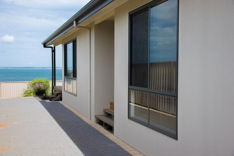 Modern Home with Expansive Sea Views - Edgewater Escape - Stunning Views - Kingscote - rentals