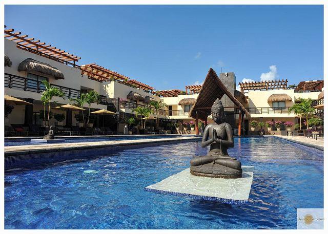 AT 33 BEAUTIFUL CONDO with enormous terrace & private pool-Mamitas Beach - Image 1 - Playa del Carmen - rentals